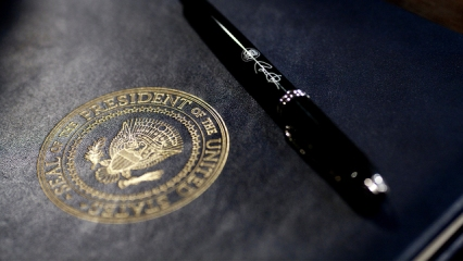 what_is_an_executive_order__0_7133975_ver1-0_640_360